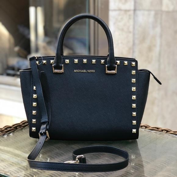 e59e5d8b30fe3 Michael Kors Bags   Authentic Medium Selma Studd Handbag   Poshmark